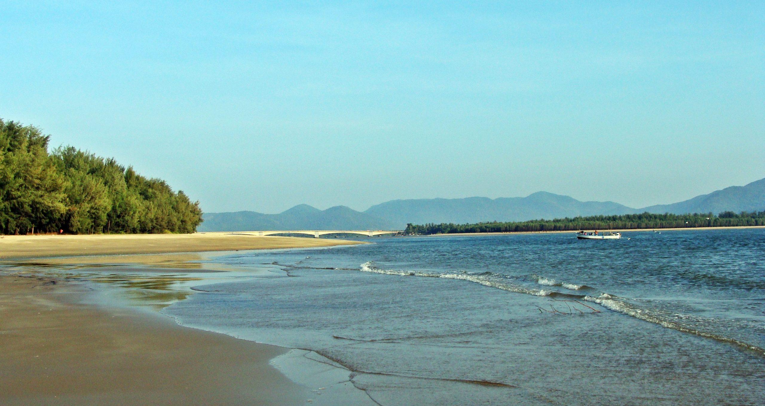 Stay Options at Manori Beach
