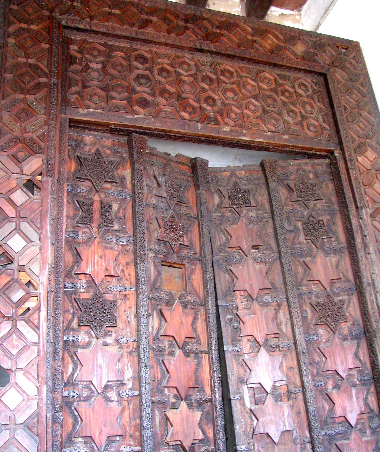 Attractions of Agra Fort-Ghazni Gate