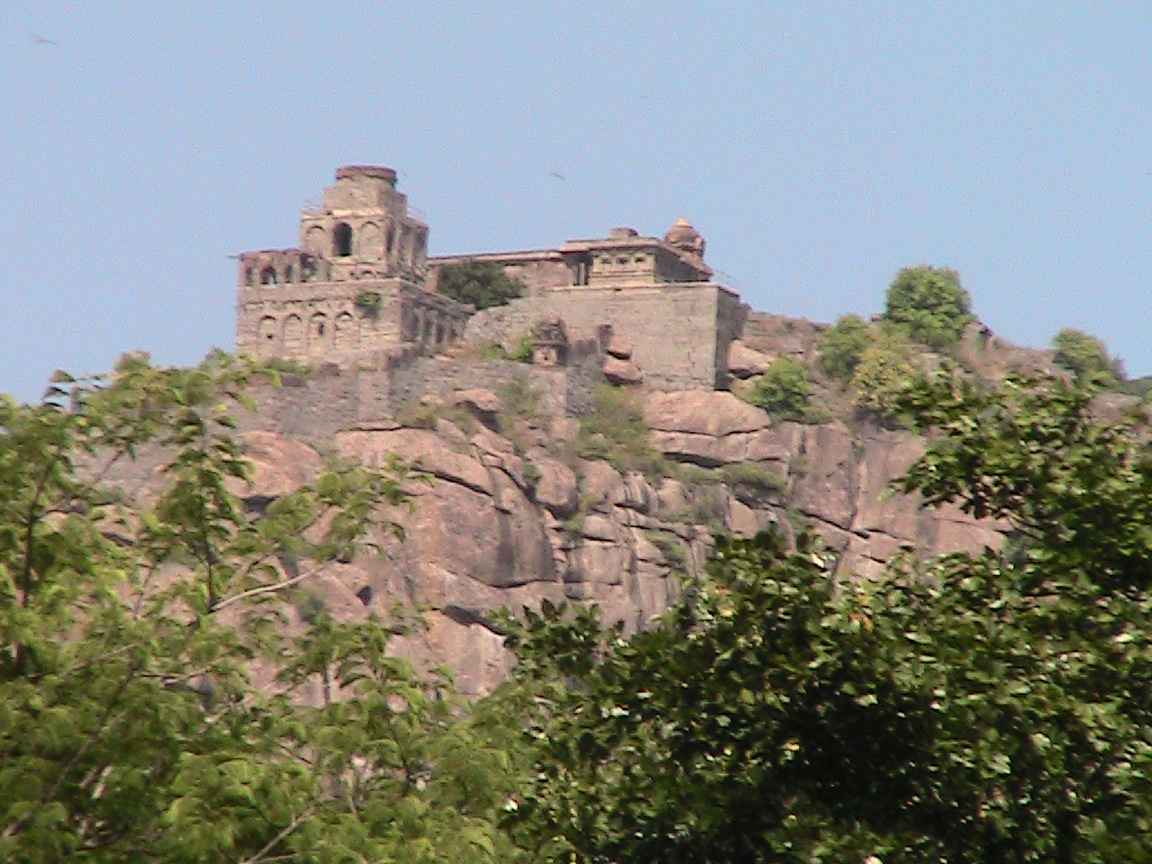Famous Historical Place In Tamil Nadu-Thiruvannamalai, Gingee Fort