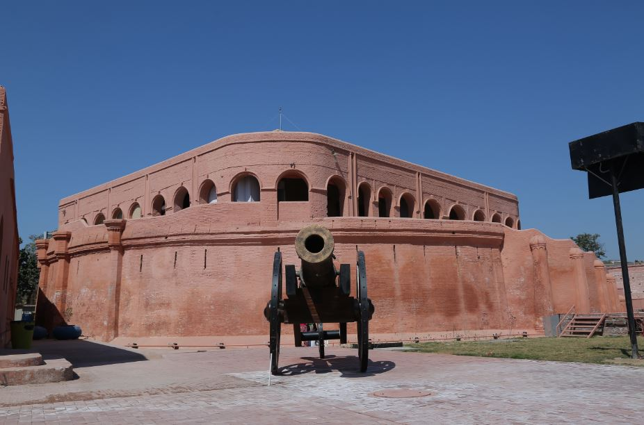 Gobindgarh Fort: History, Architecture, Shows & Performances at Gobindgarh Fort, Attractions, Unknown Facts