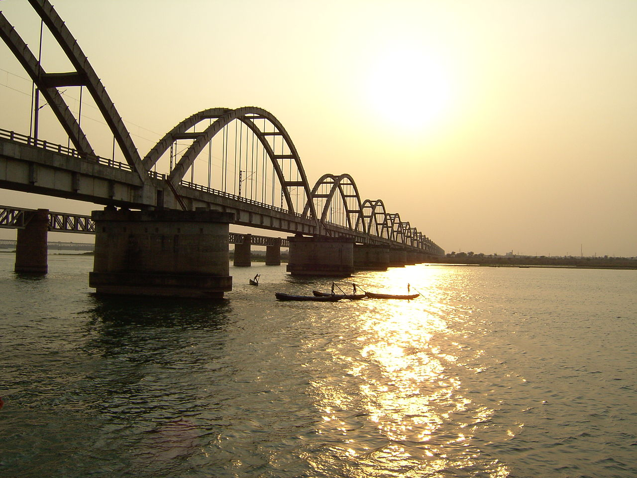 Godavari Bridge - Amazing Place to Visit in Rajahmundry