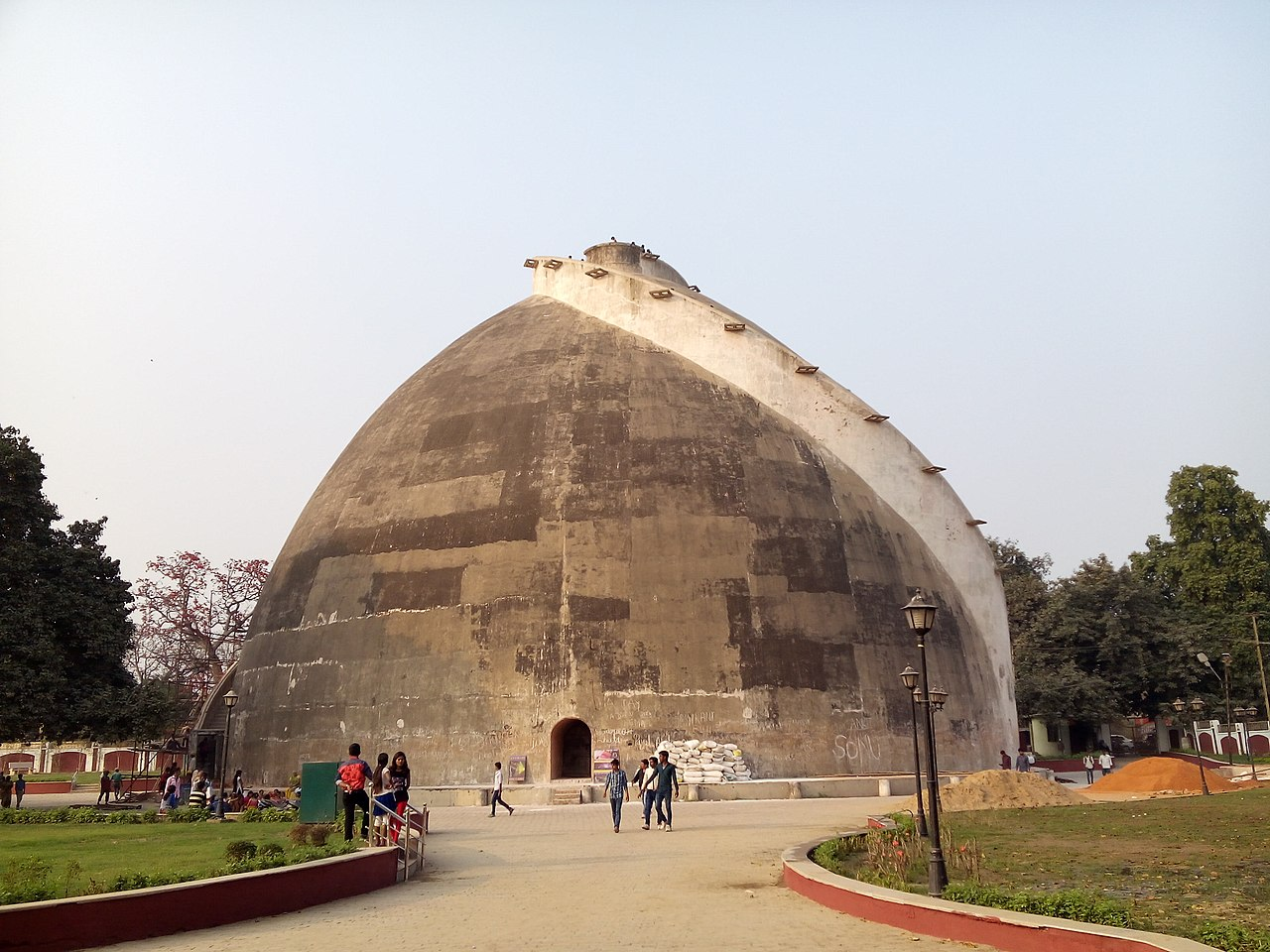 Top Tour Place In Patna-Golghar