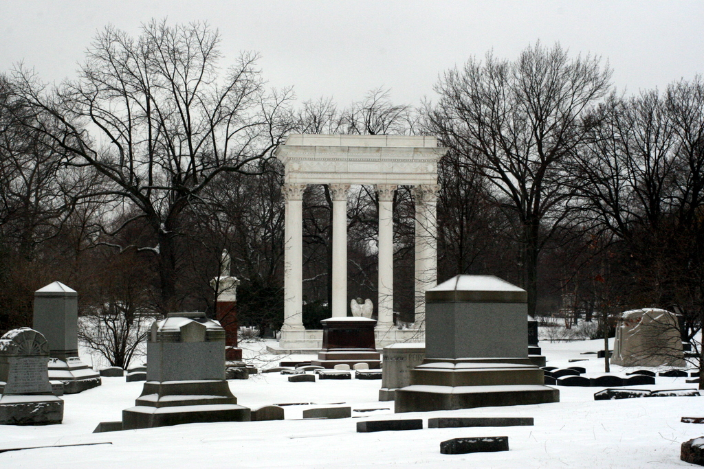 Walkthrough the Graceland Cemetery
