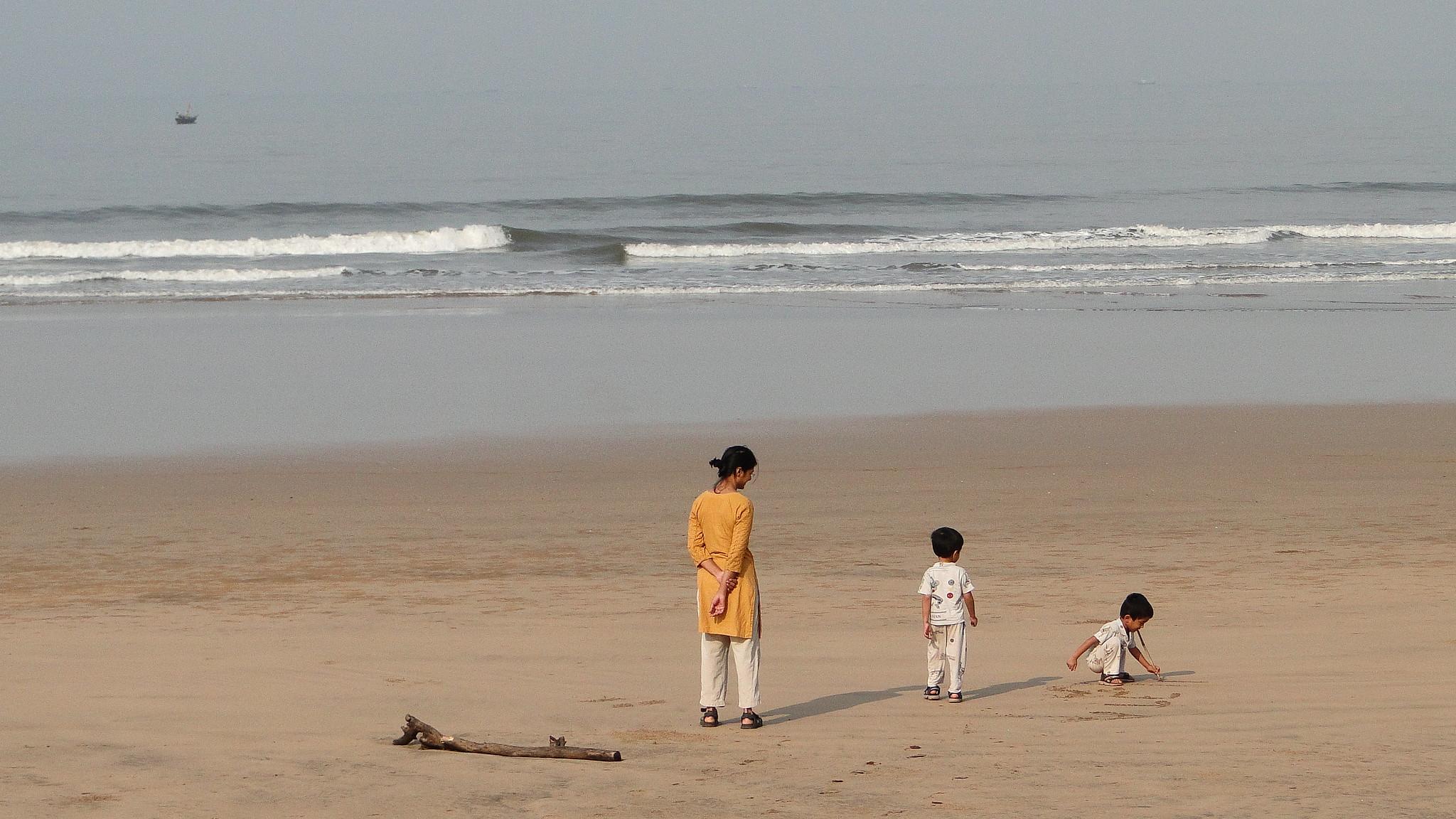 Must Visit Place Near Jaigad Fort-Guhagar Beach