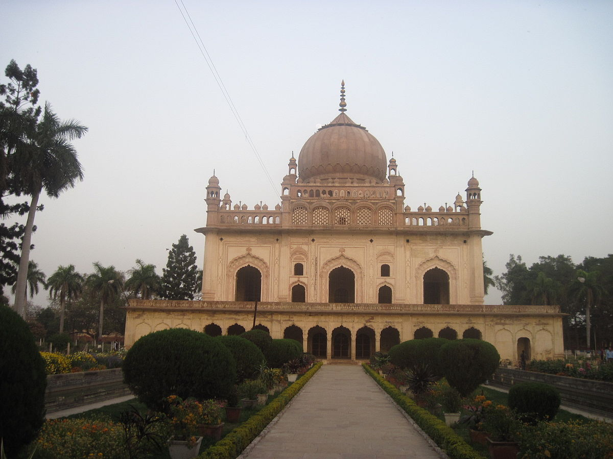 Best Prominent Place to See in Ayodhya-Gulab Bari