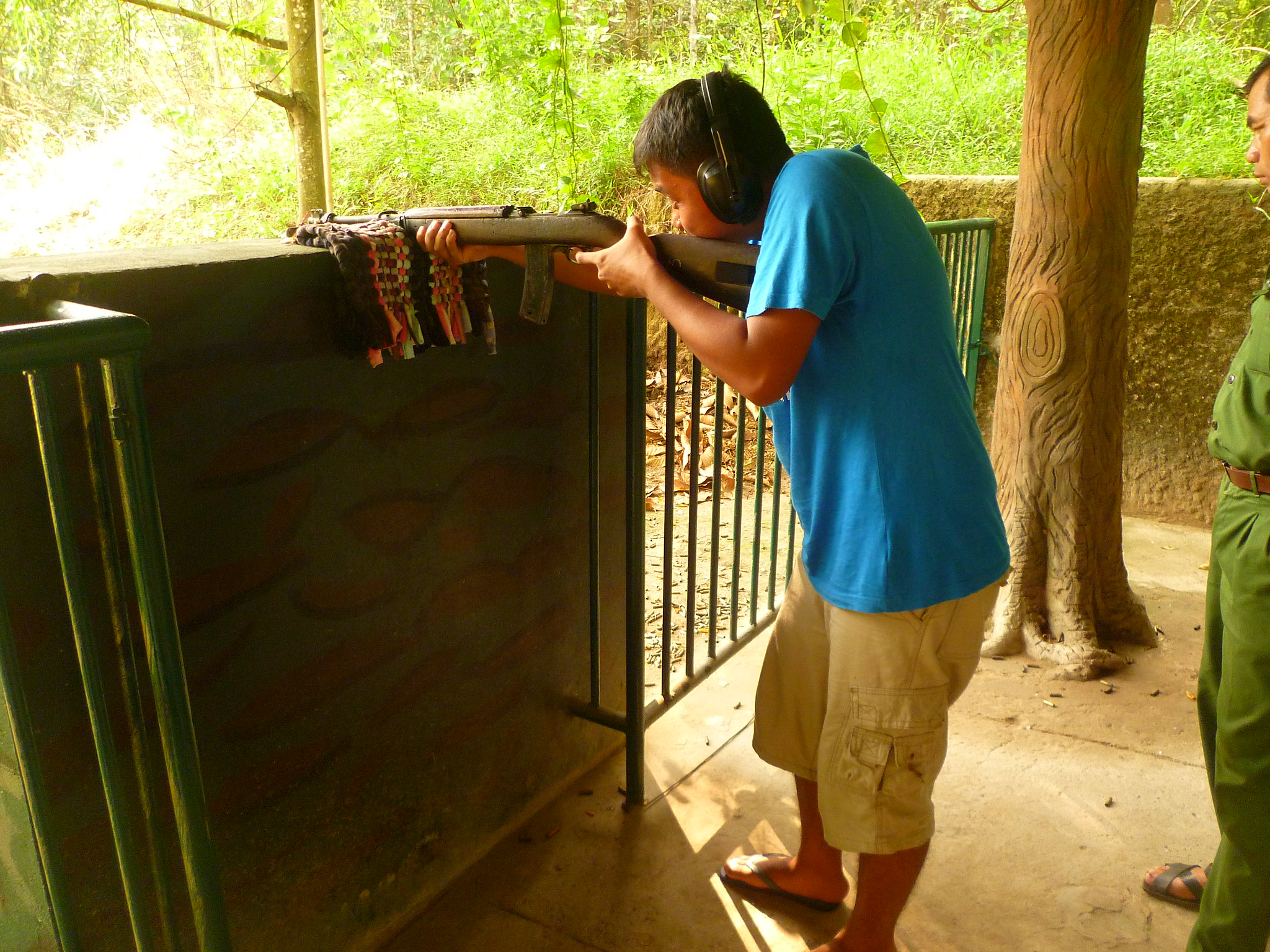 Incredible Experience That One Can Have In Vietnam-Gun Shooting Like in War