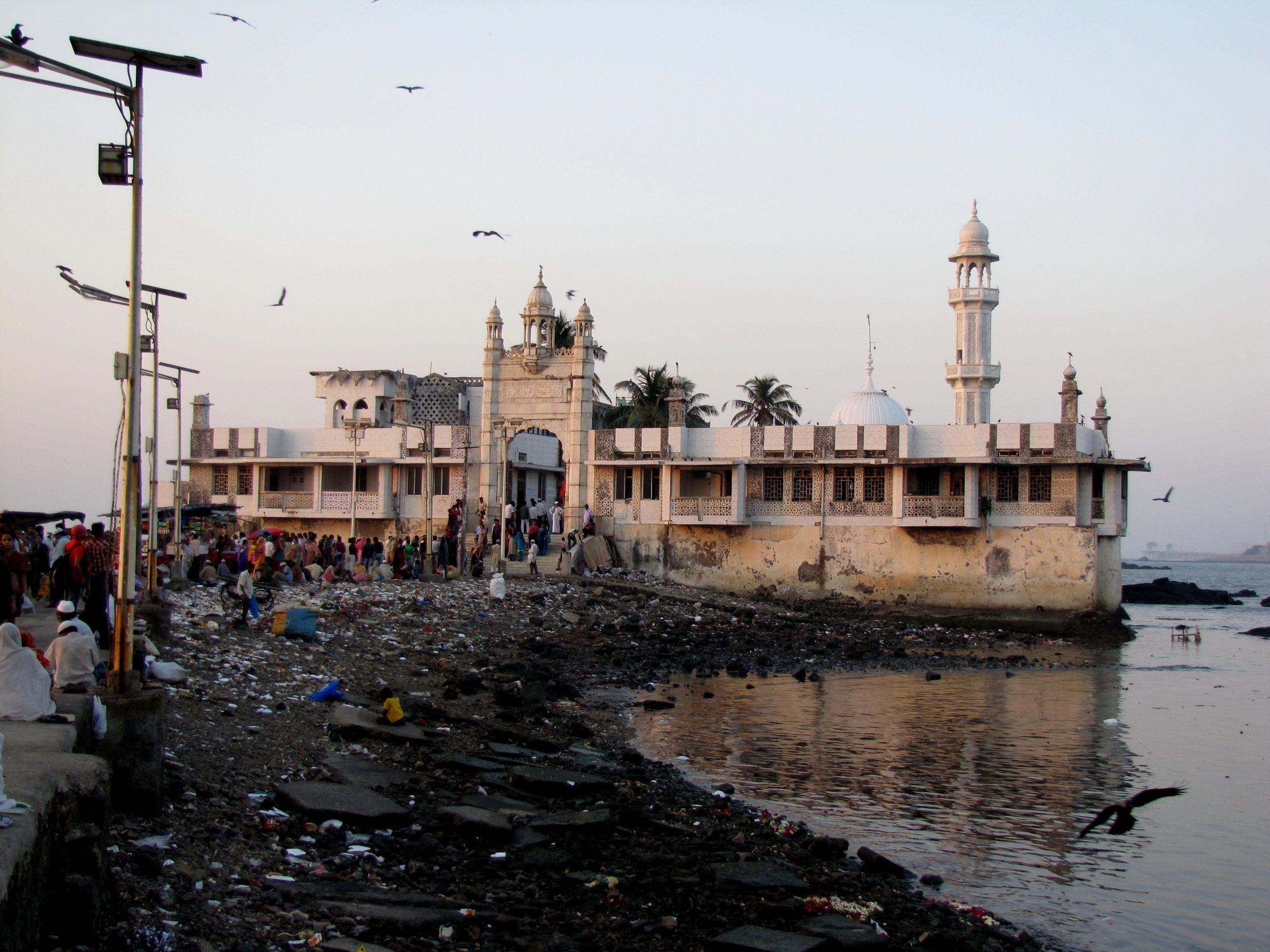 Haji Ali Dargah Most Visited Places in Mumbai