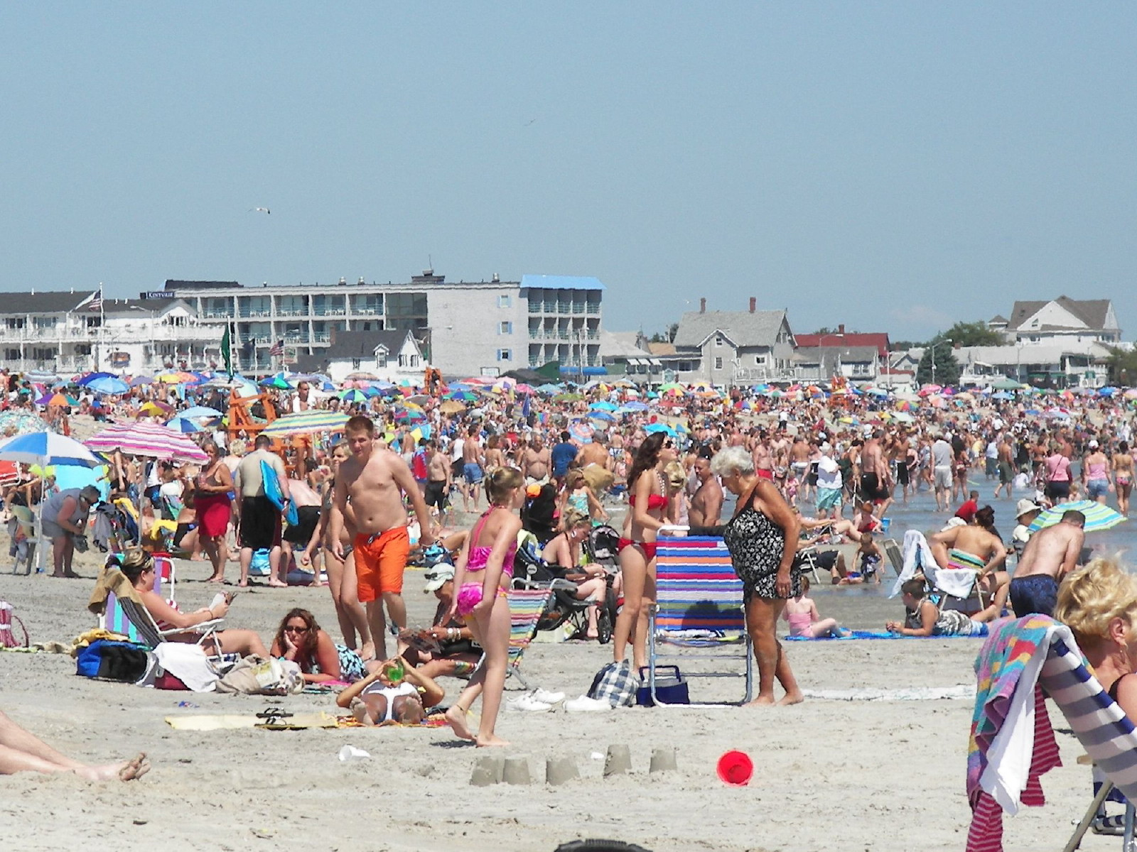 Top Attraction Place In New Hampshire-Hampton Beach