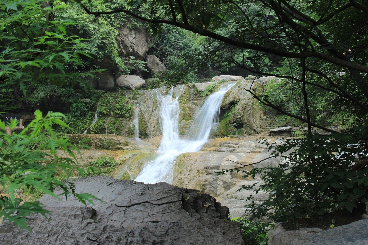 Sight-seeing Place to Visit In The Santa Ana Mountain-Harding Falls