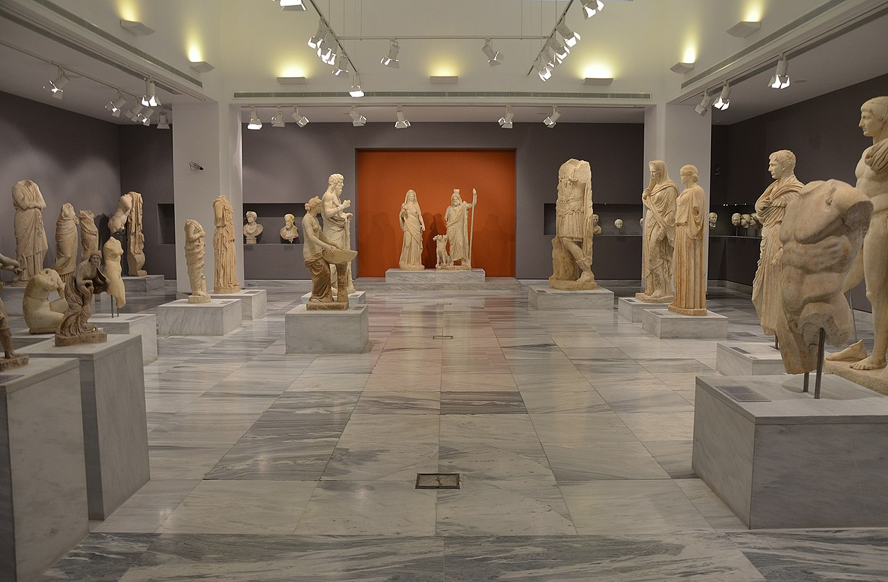 Places To Visit in Crete Islands-Heraklion Archaeological Museum