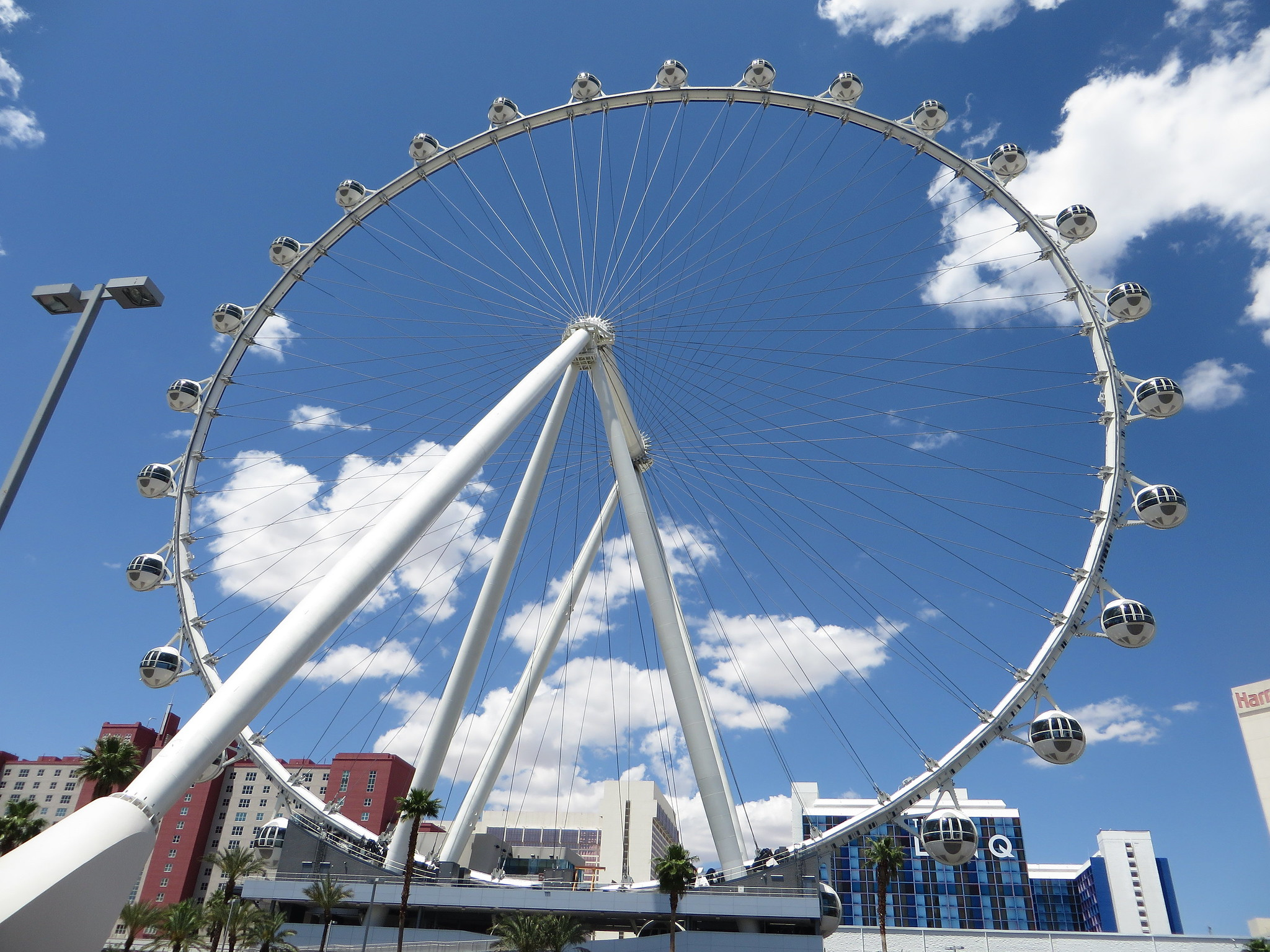 High Roller Ferris Wheel - Things That You Should Not Miss in Las Vegas