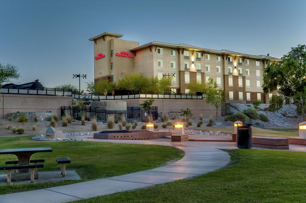 Stay Option in Yuma-Best Western Yuma Mall Hotel and Suites
