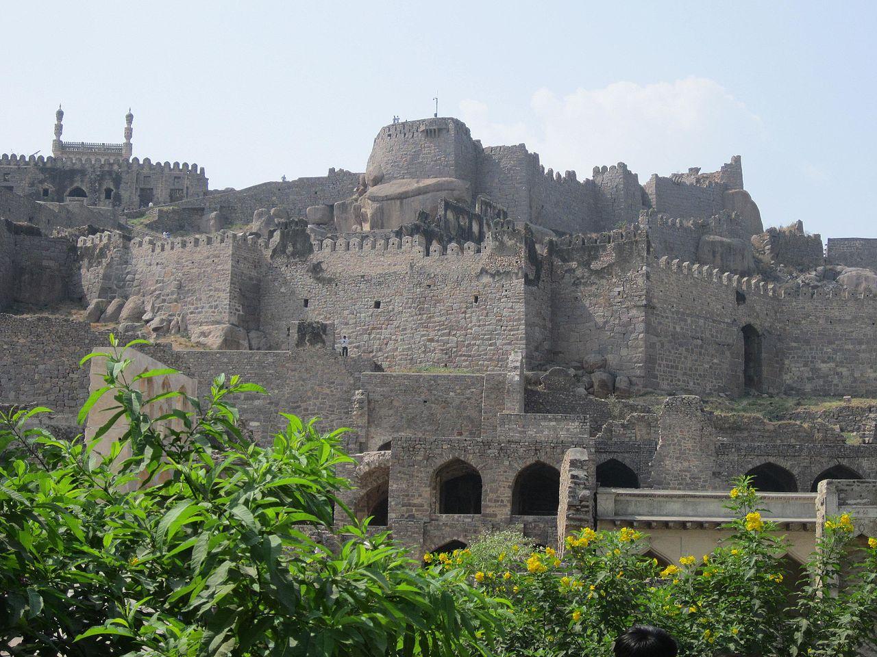 Best Things To Do At The Osman Sagar Lake-Explore The Historical Golconda Fort