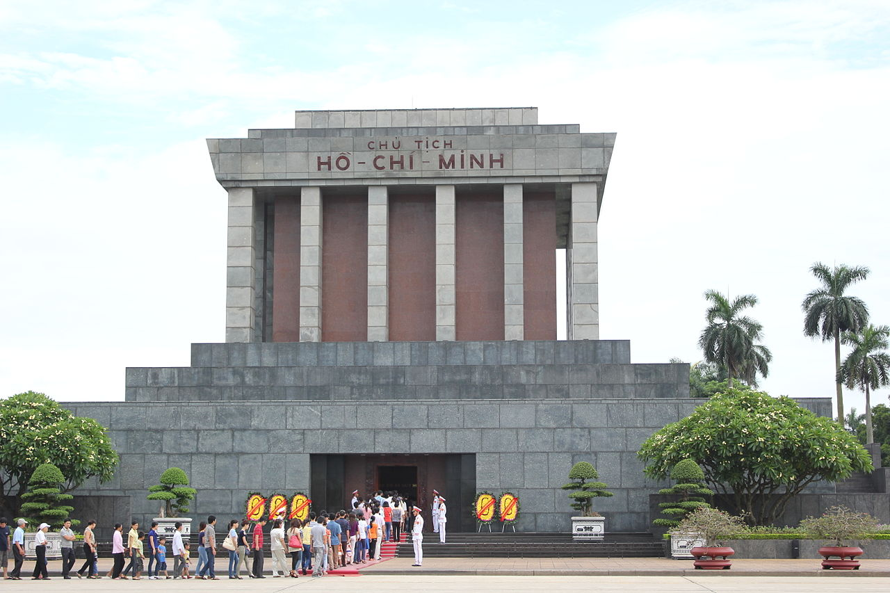 Best Attractions of Hanoi, the Vietnamese Capital City-Ho Chi Minh Mausoleum