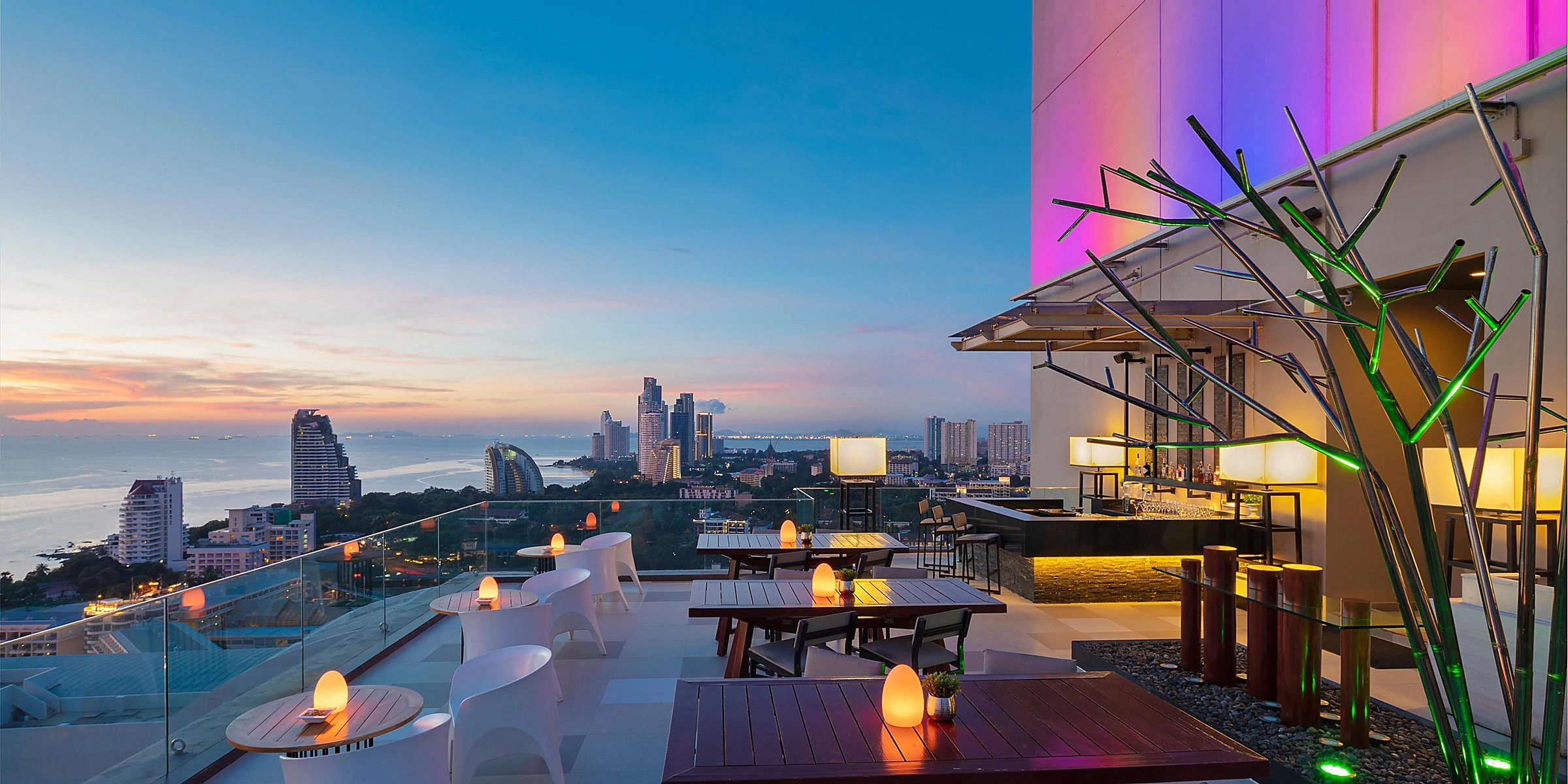 Amazing Resort/Hotel in Pattaya-Holiday Inn Pattaya