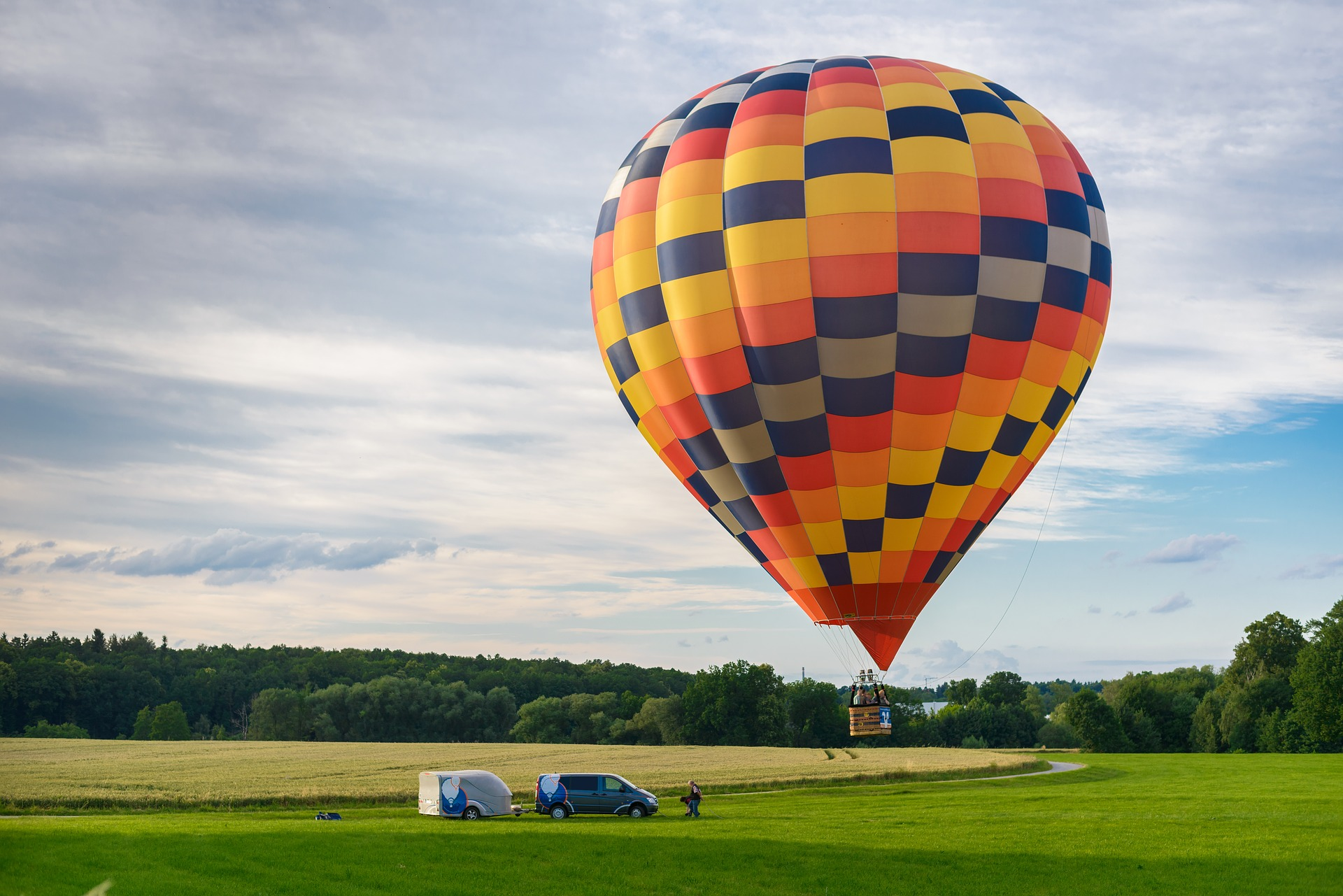 Hot Air Balloon Rides - Adventure Activitie That Tourists Must Experience In Rajasthan