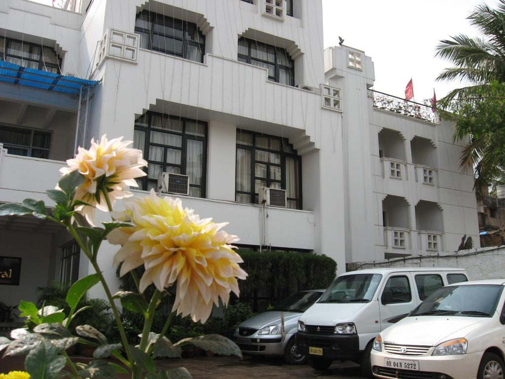 Mid-Range Hotel In Bhubaneswar-Hotel Grand Central
