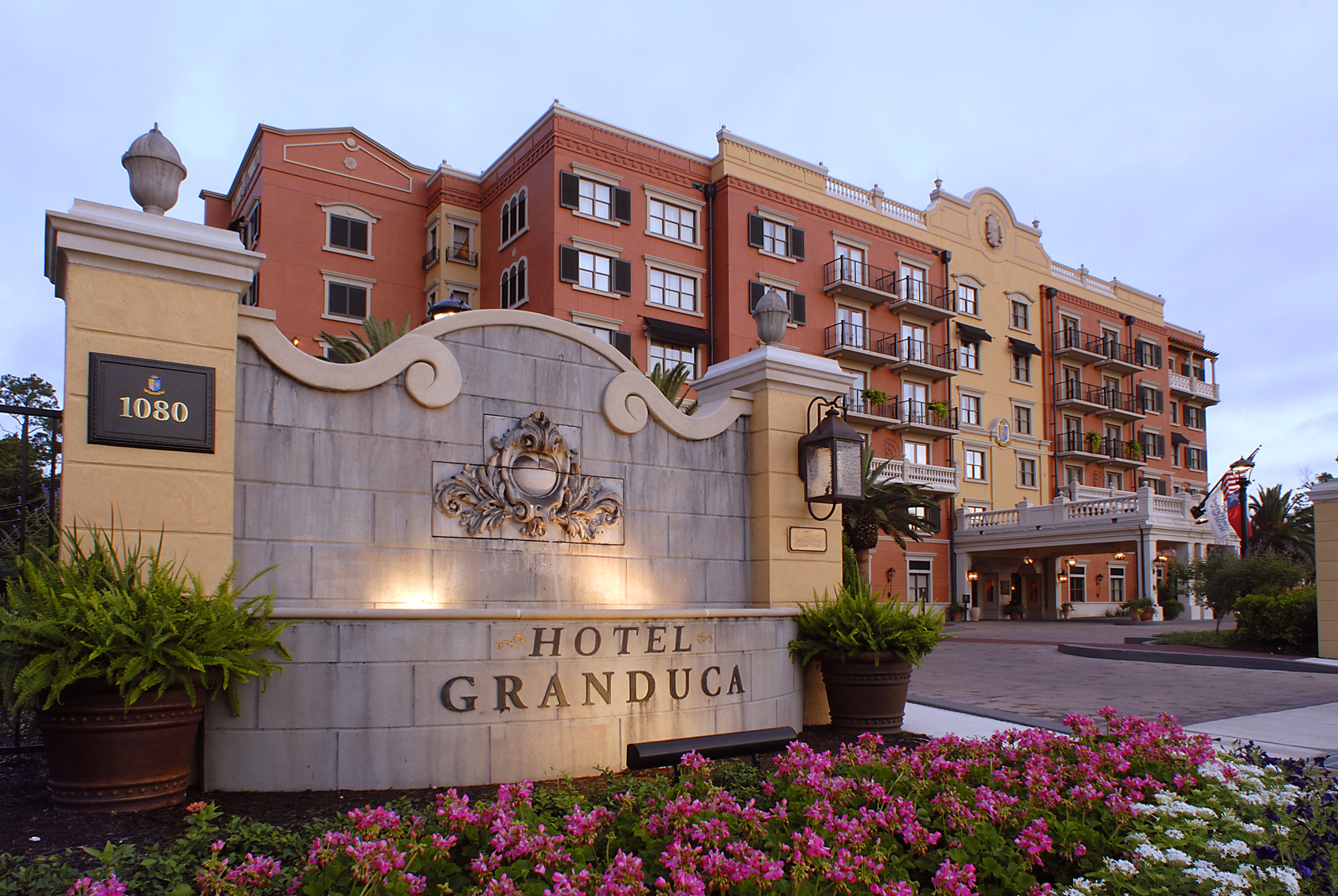 Beautiful Resort in Houston-Hotel Granduca Houston