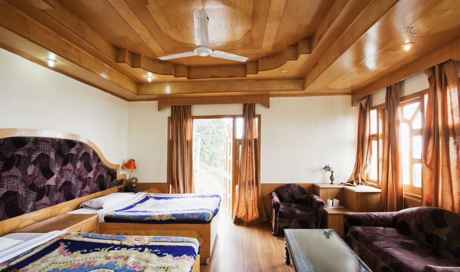 Hotel Him Queen (OYO) - Luxury Hotels in Dharamshala and Mcleodganj