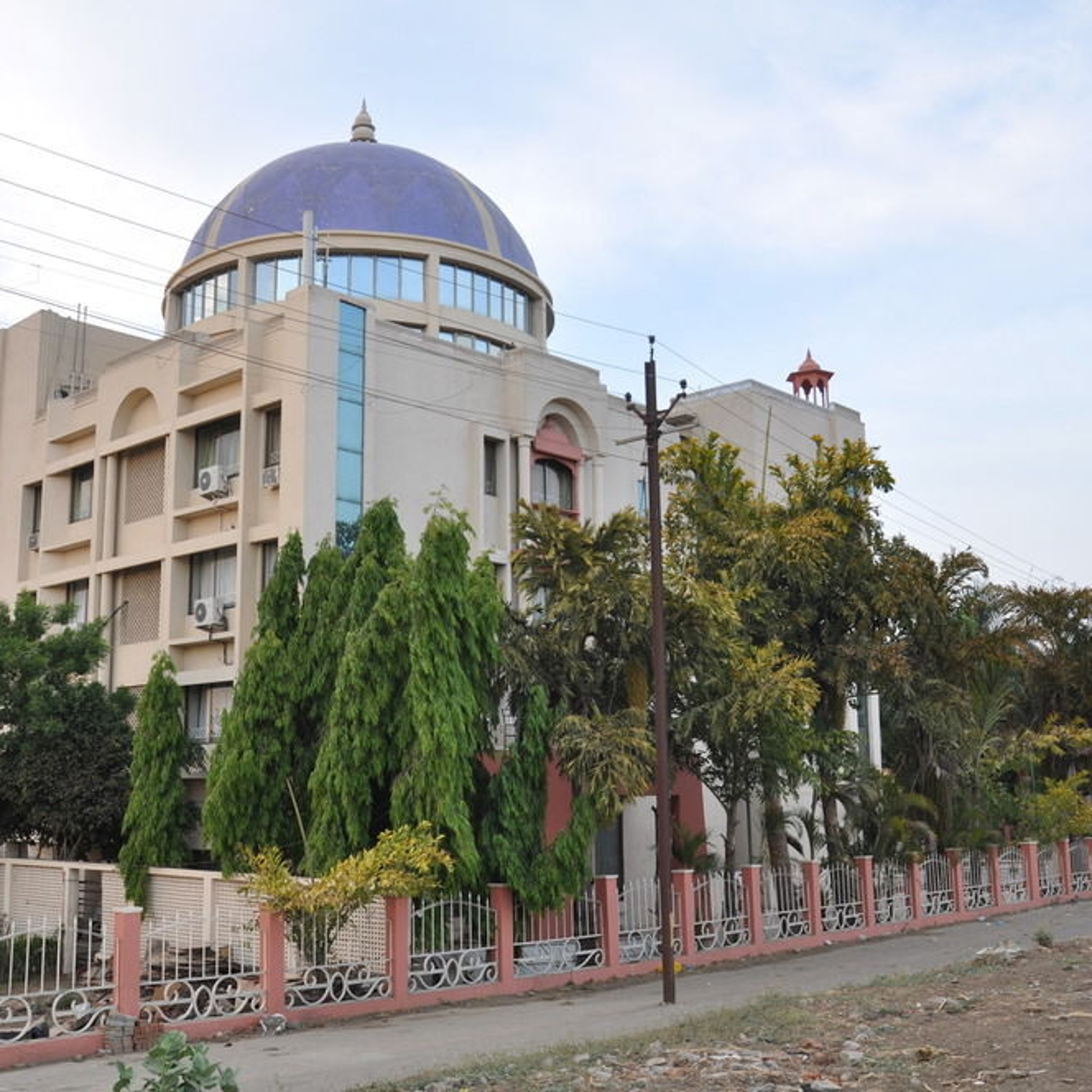 Best Hotel To Stay In Bhedaghat-Hotel Jabali Palace