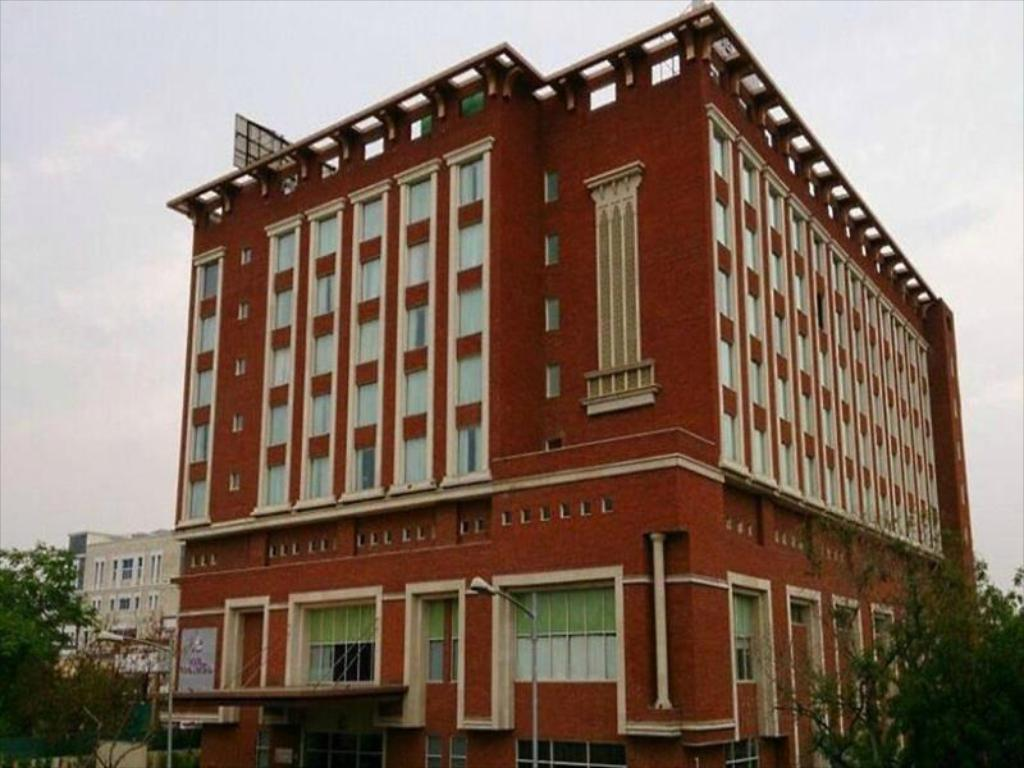 Mid-Range Hotel in Jaipur-Hotel Royal Orchid