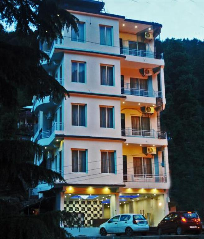 Hotel Triund Heights - Budget Hotels in Dharamshala and Mcleodganj