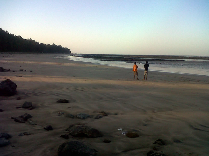How to Reach Manori Beach?