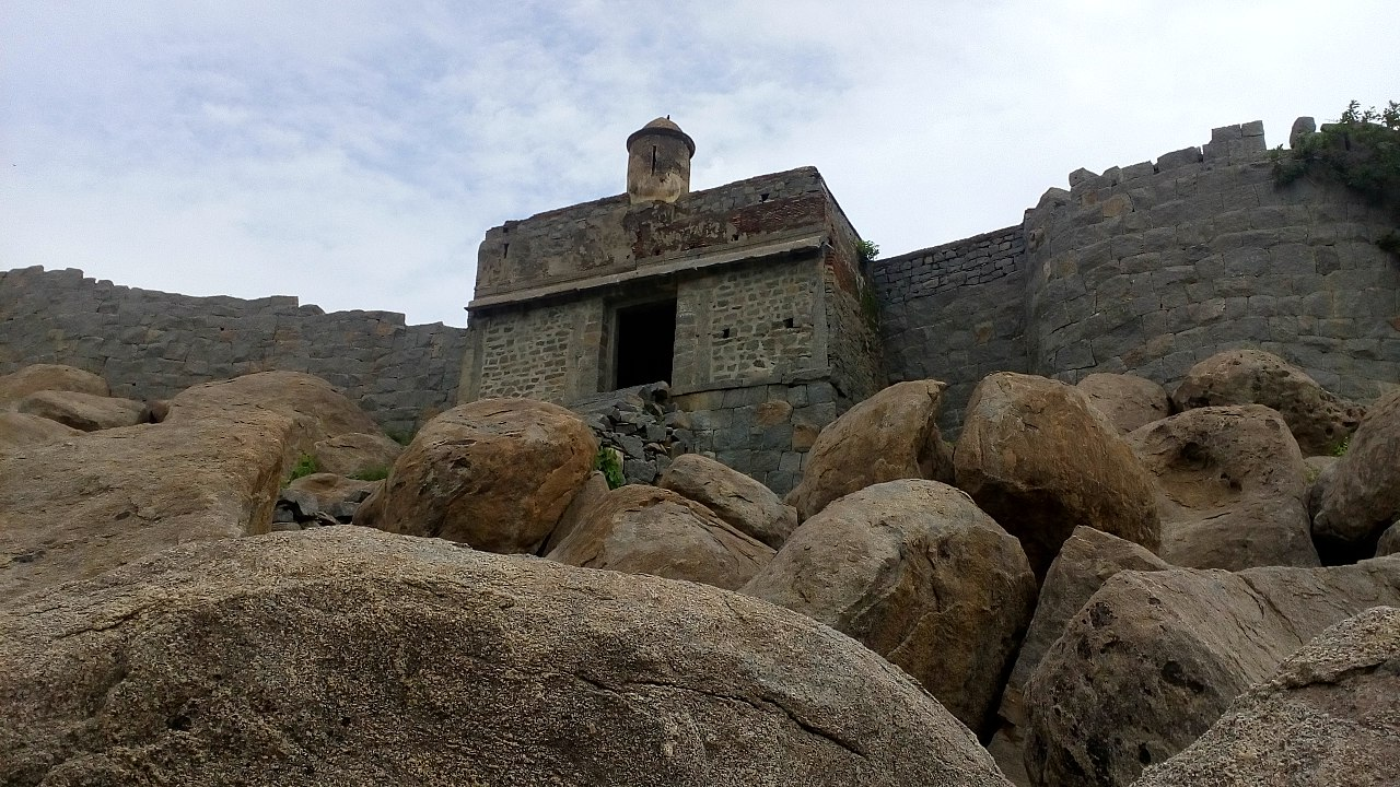 How To Reach The Gingee Fort?