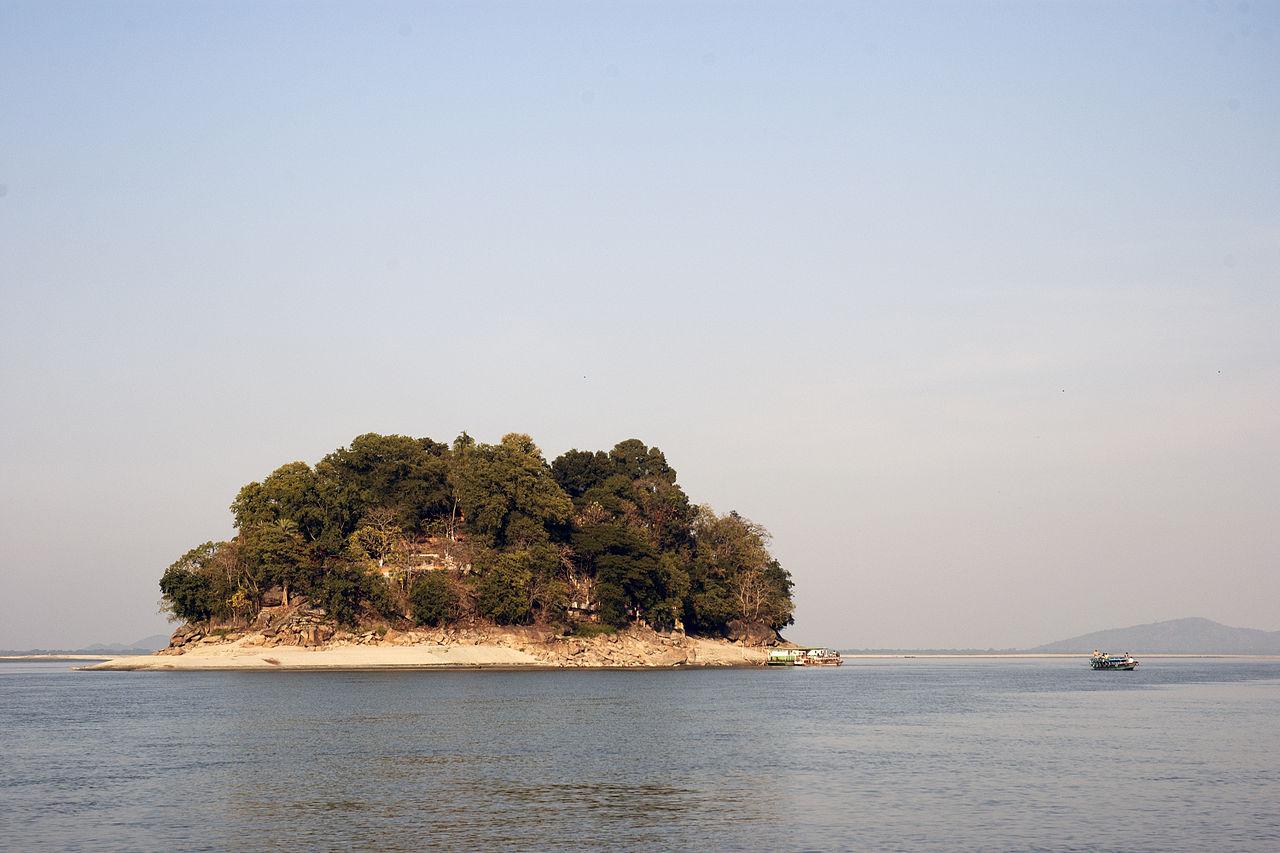 How to Reach Umananda Island?