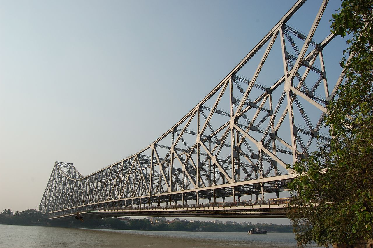 Best Historical Monuments to See in West Bengal-Howrah Bridge