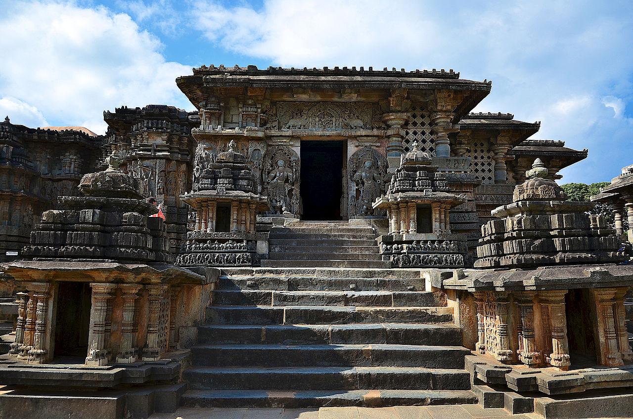 Hoysaleshwara Temple In Halebid