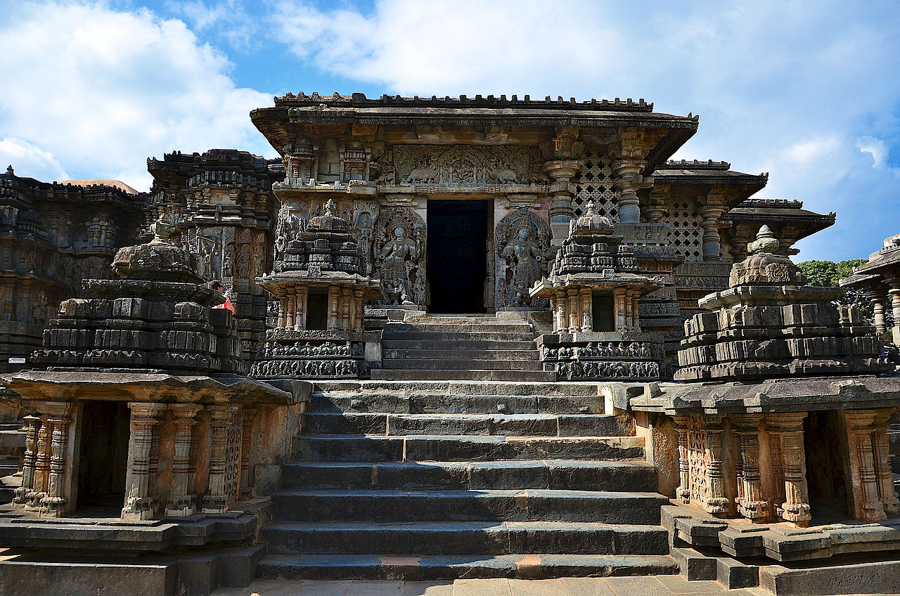 Best Temple in Karnataka-Hoysaleshwara Temple, Halebidu