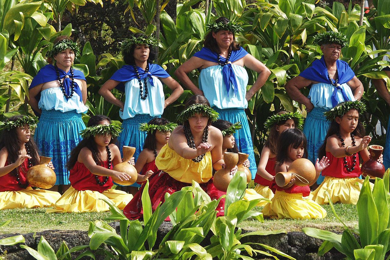 Popular Traditional Dances of Hawaii: Hula Kahiko and Hula ʻAuana