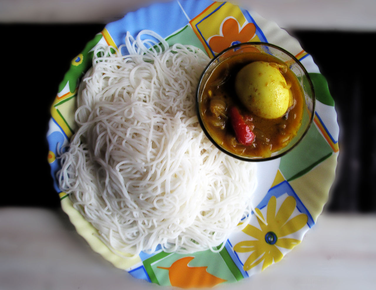 Best Foods and Dishes from Kerala-Idiyappam and Curry