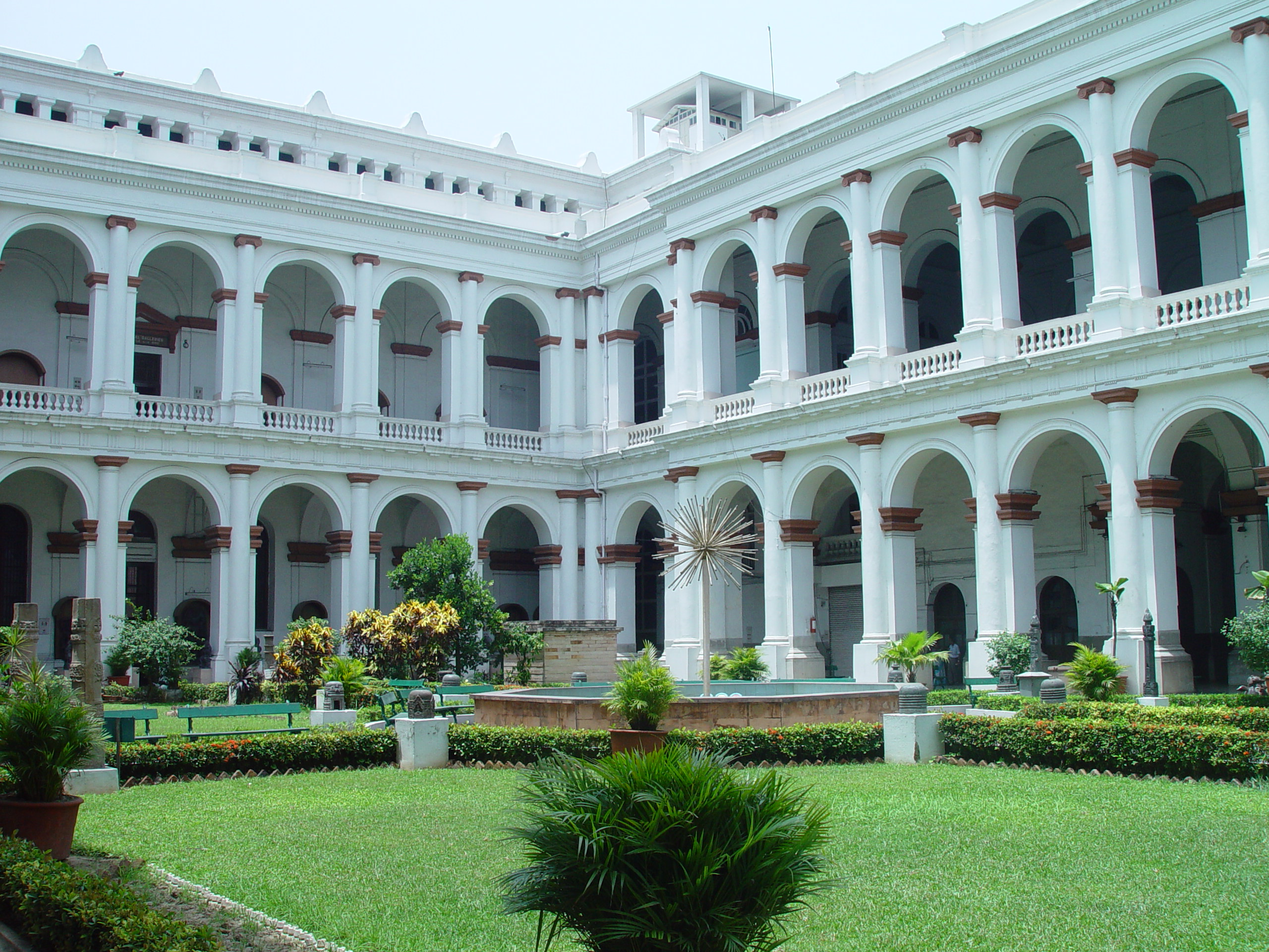 Indian Museum - Best Places In Kolkata For Every First-Time Traveler