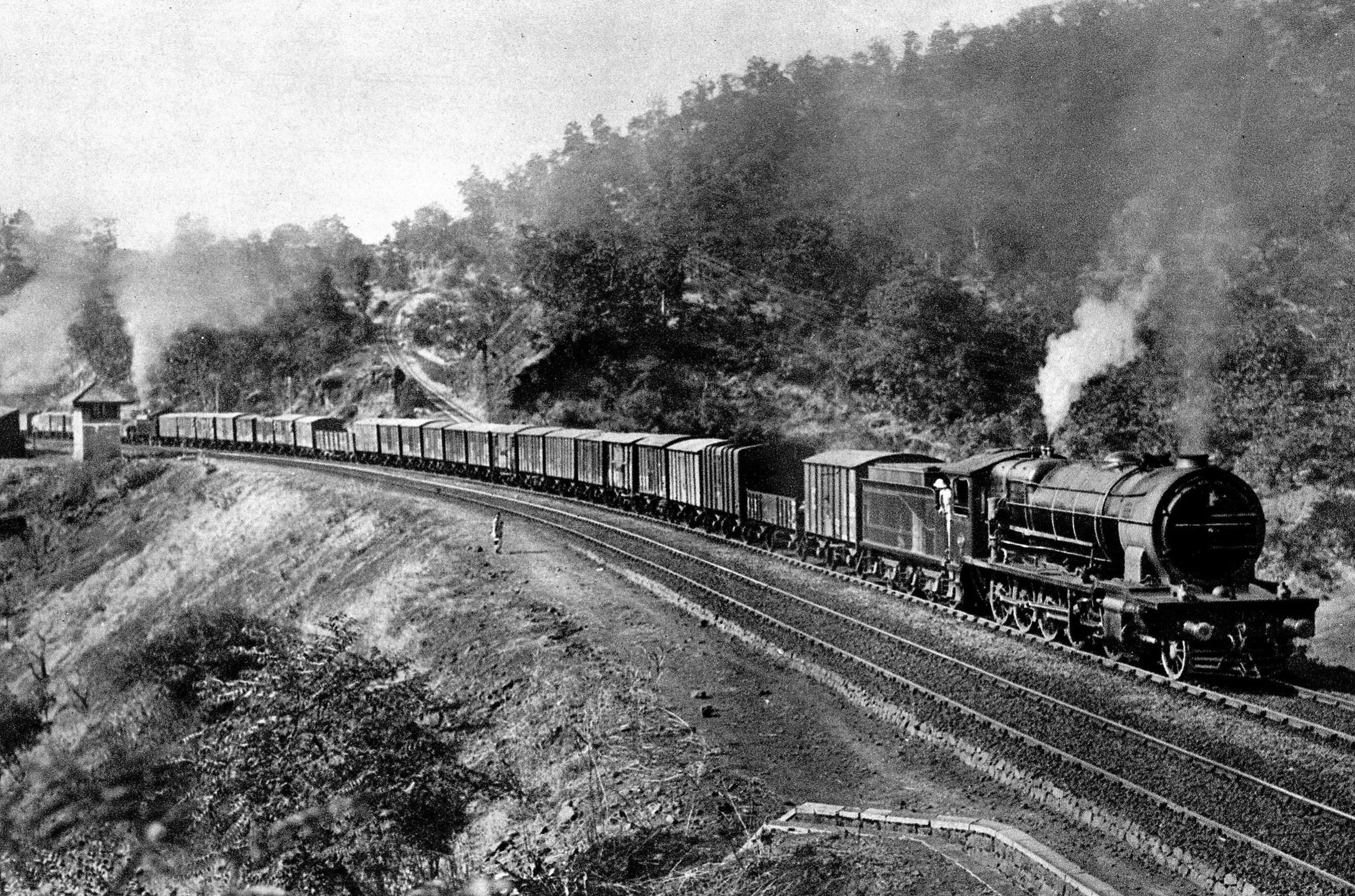 India's First Train Visited Places When in Mumbai
