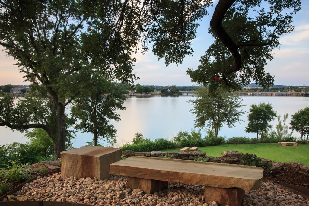 Inn on Lake Granbury - A Weekend Getaway In Texas