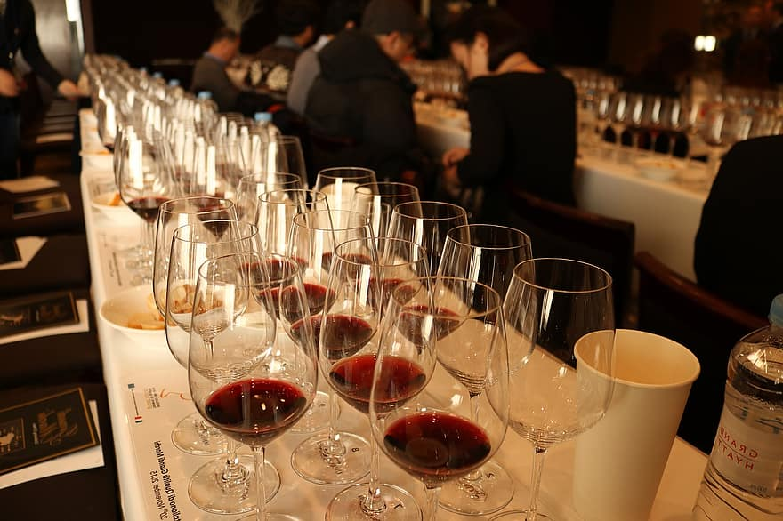 Is It Difficult To Get A Reservation For Wine Tasting?, Napa Valley Tour Guide