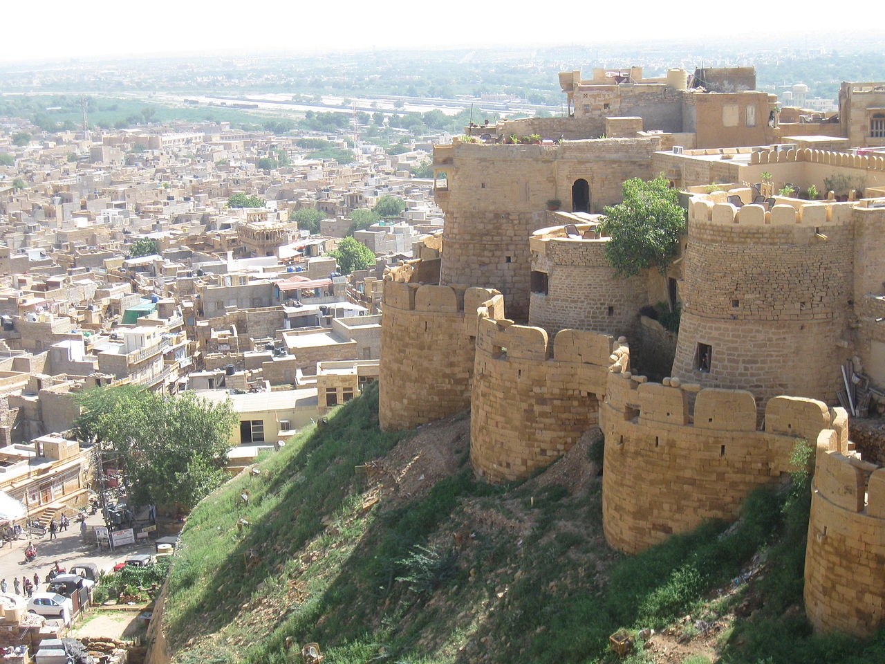 Jaisalmer Fort - Popular Tourist Place to Visit in Jaisalmer, Rajasthan