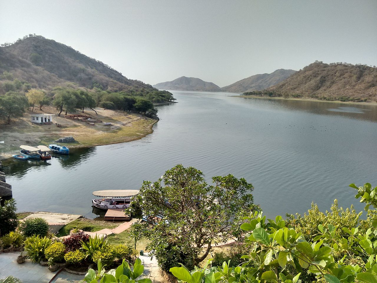 Famous Place to Visit in Udaipure-Jaisamand Lake
