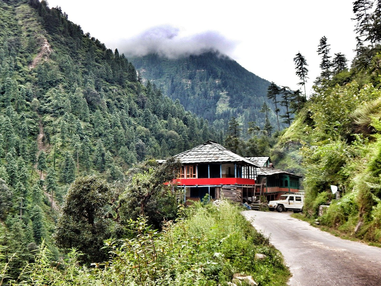 Jalori Pass - Top Rated Place to Visit in Tirthan Valley