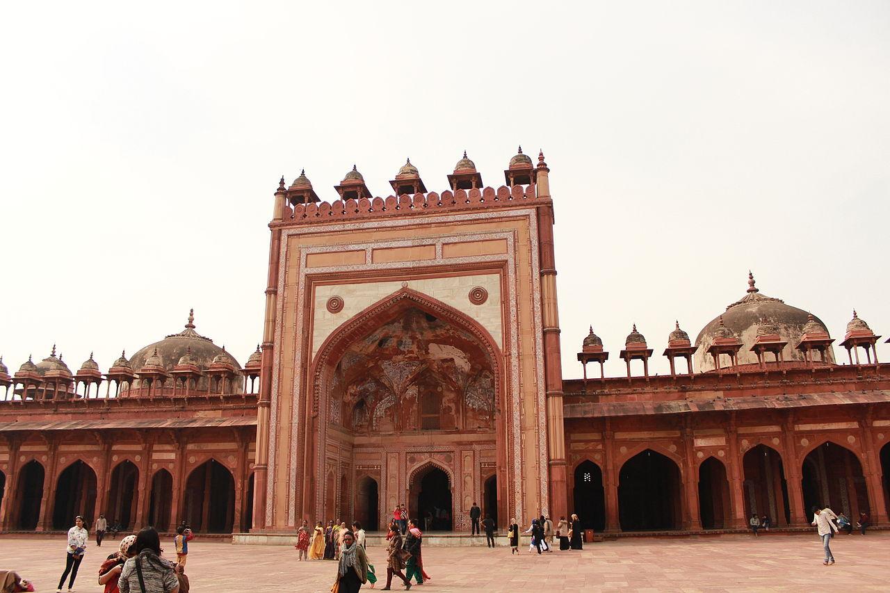 ama Masjid - Amazing Must-Visit Place in Fatehpur Sikri
