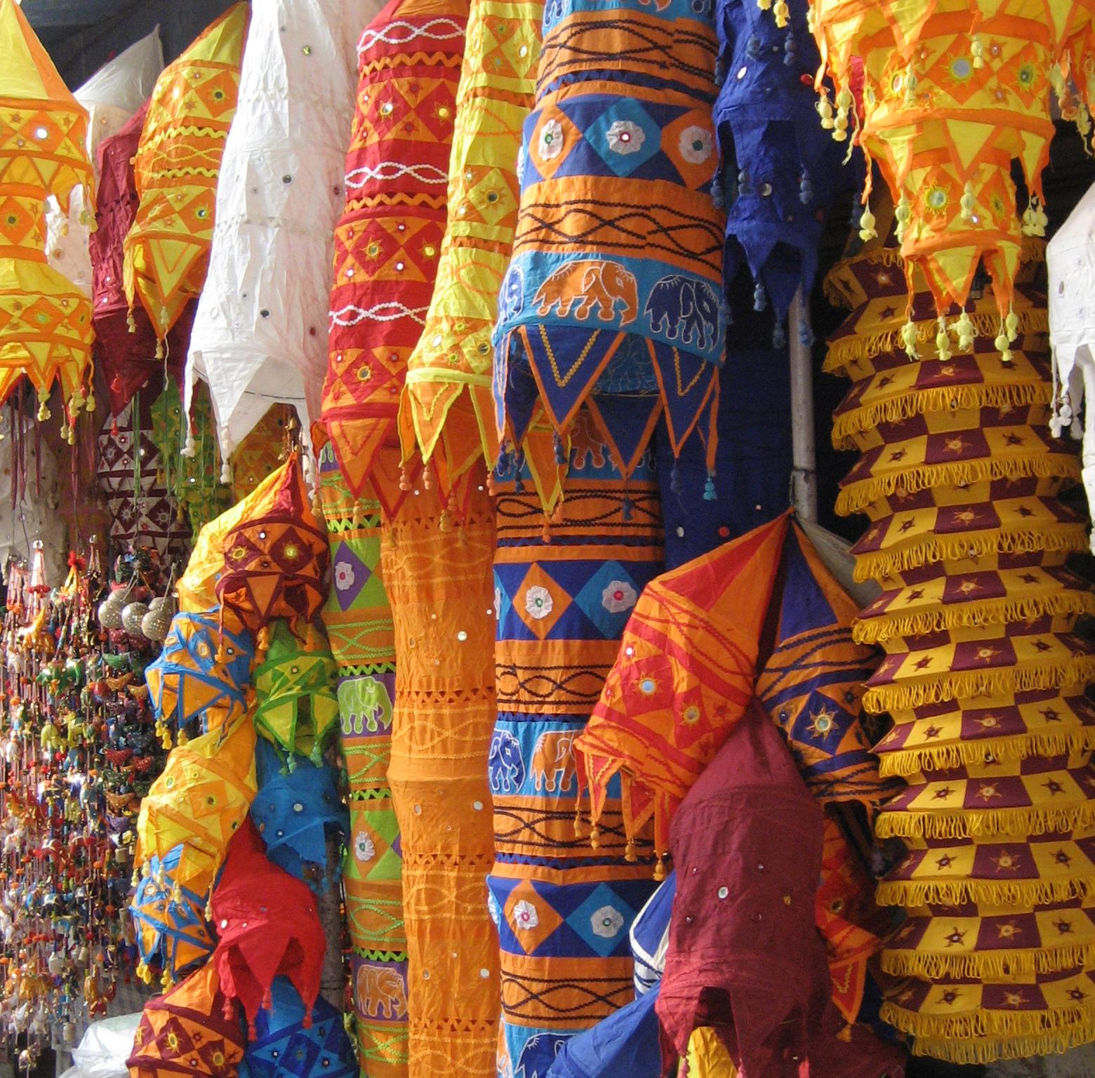 Janpath and Tibetan Market to Shop in Delhi