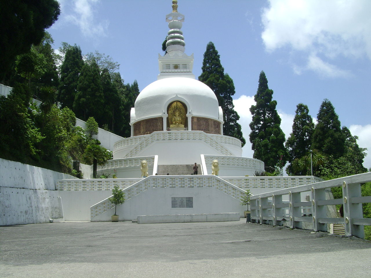 Incredible Place To Visit In Patna-Japanese Peace Pagoda