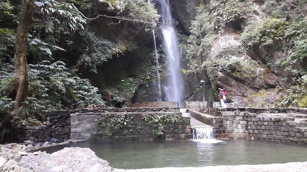 Place To See In Jibhi-Jibhi Waterfall
