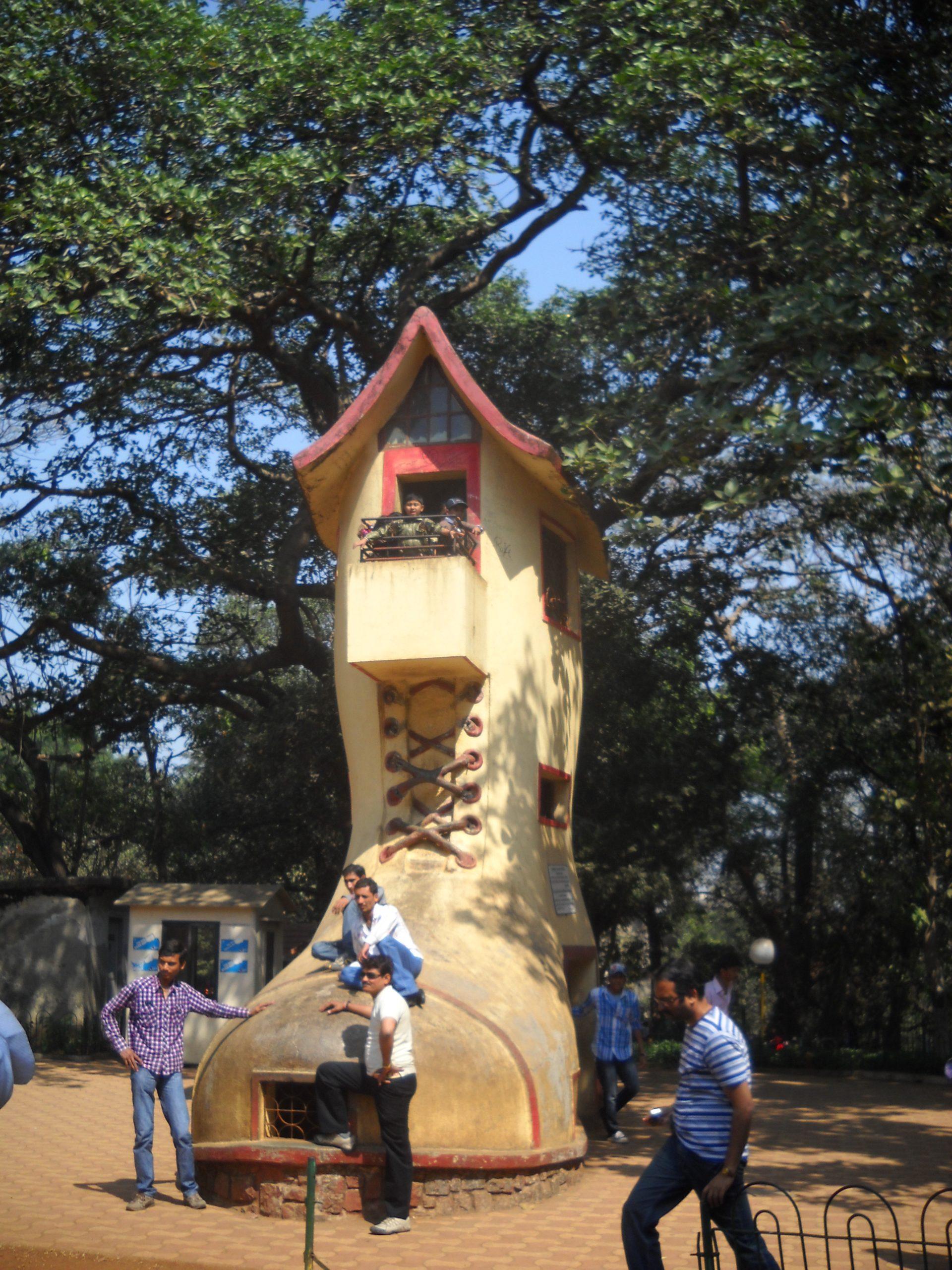 Best Place To Visit Near Bhau Daji Lad Museum in Byculla, Mumbai-Jijamata Udyan
