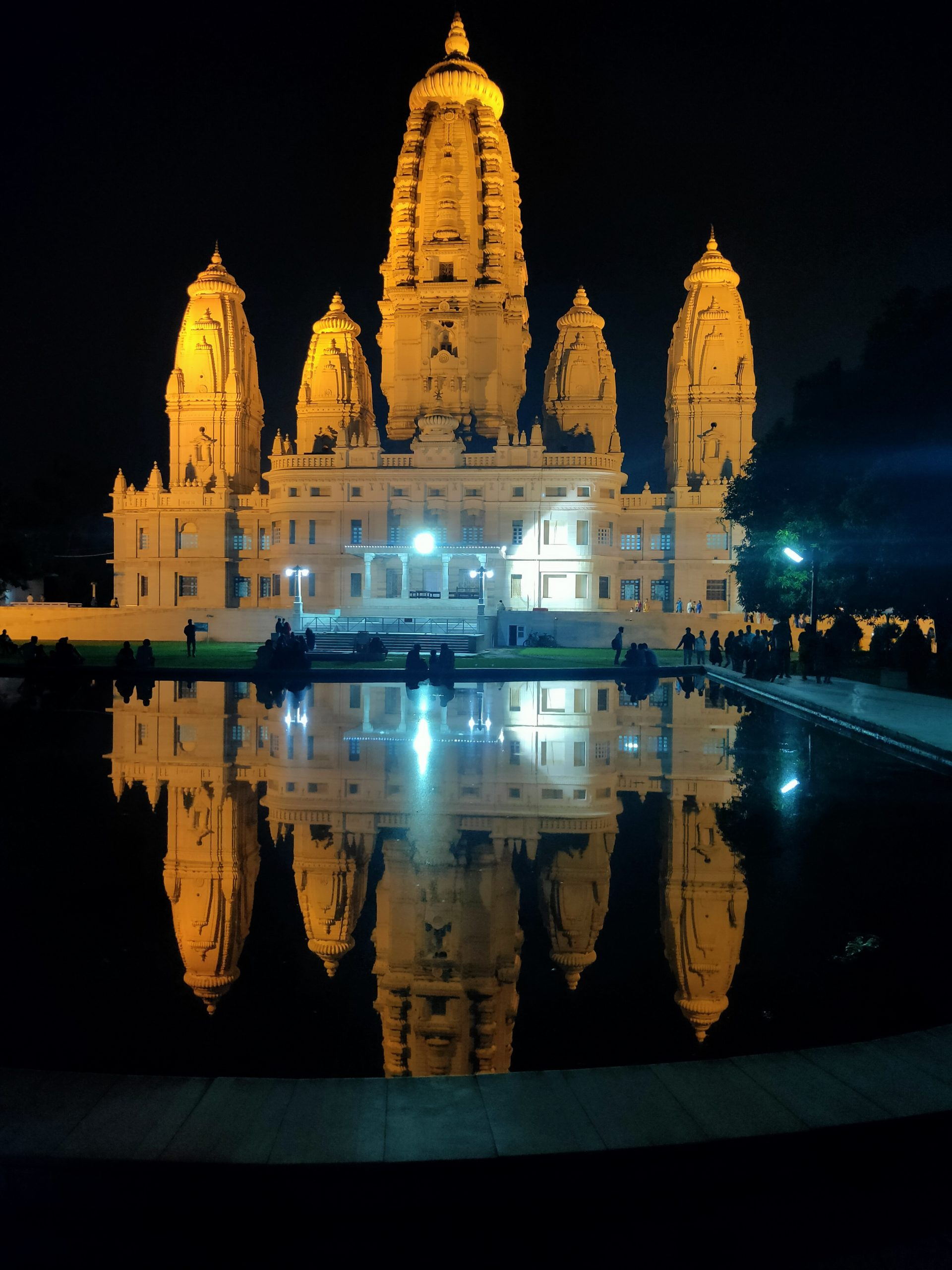 Must-Visit Place in Kanpur-JK Temple