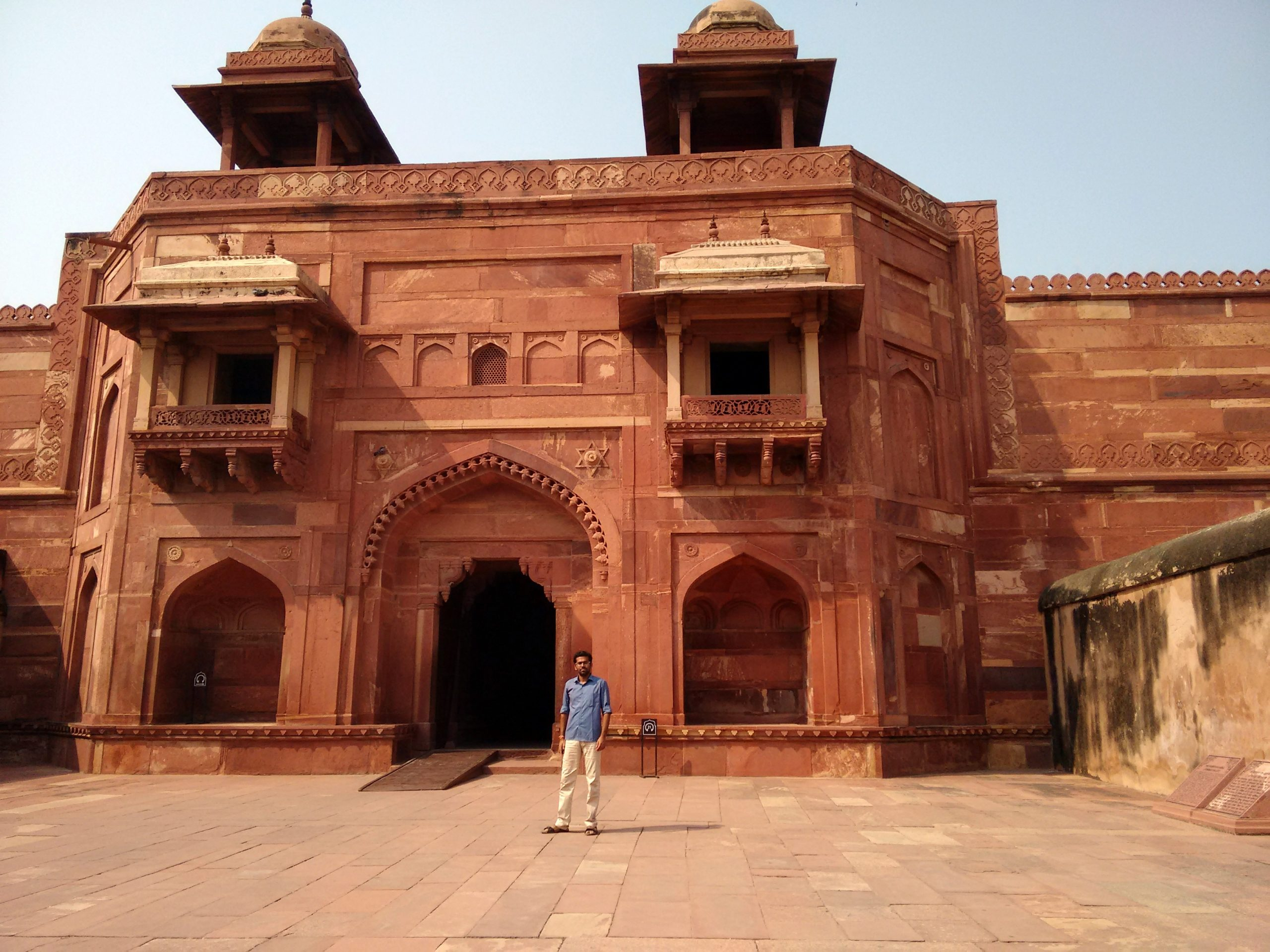 Must-Visit Place in Fatehpur Sikri-Jodha Bai Palace