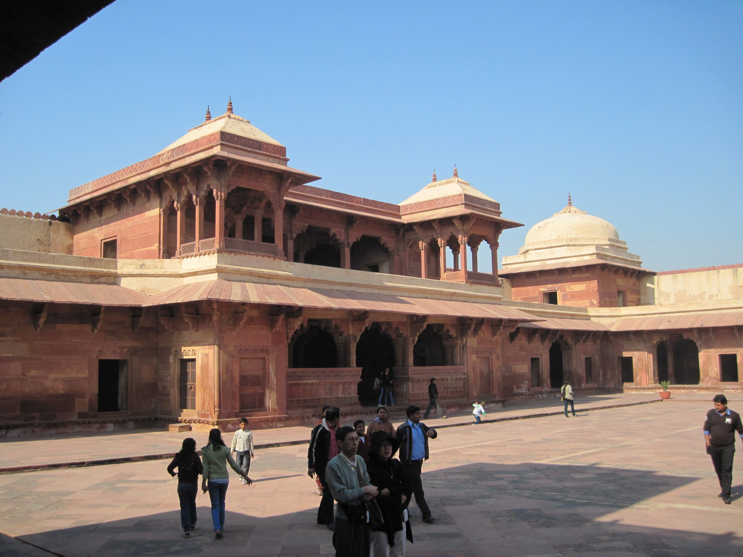 Amazing Sightseeing Place in Agra-Jodha Bai's Palace