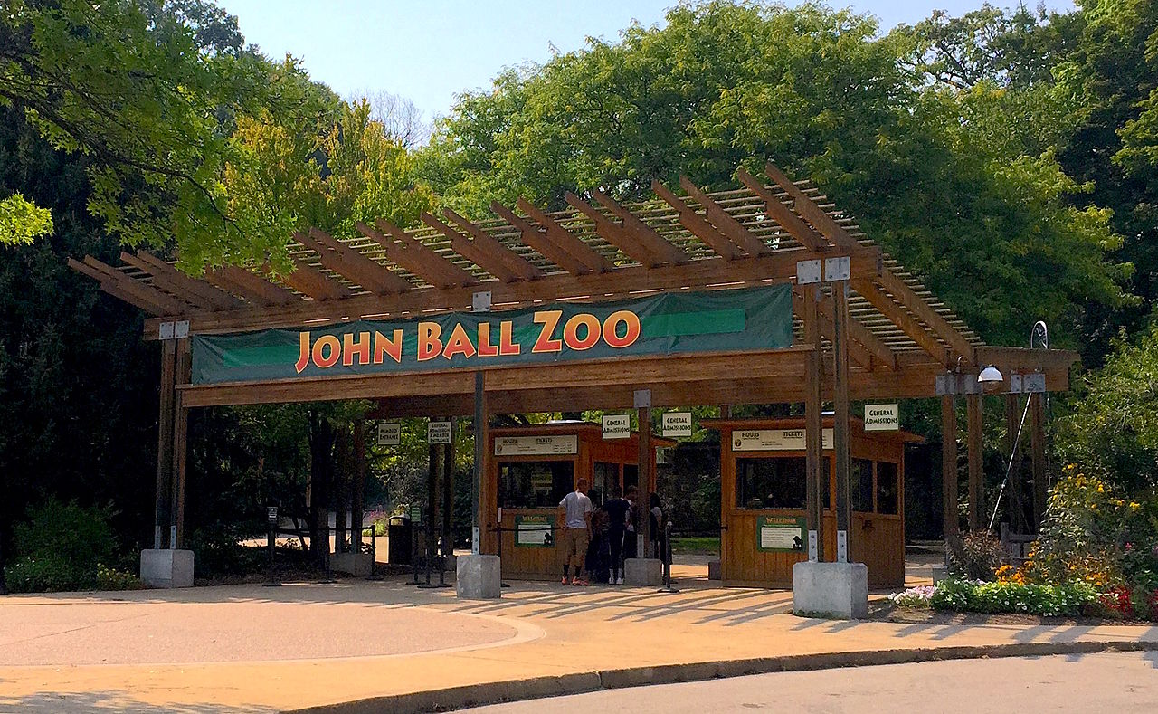 Attraction Tourist Attraction in Grand Rapids-John Ball Zoo